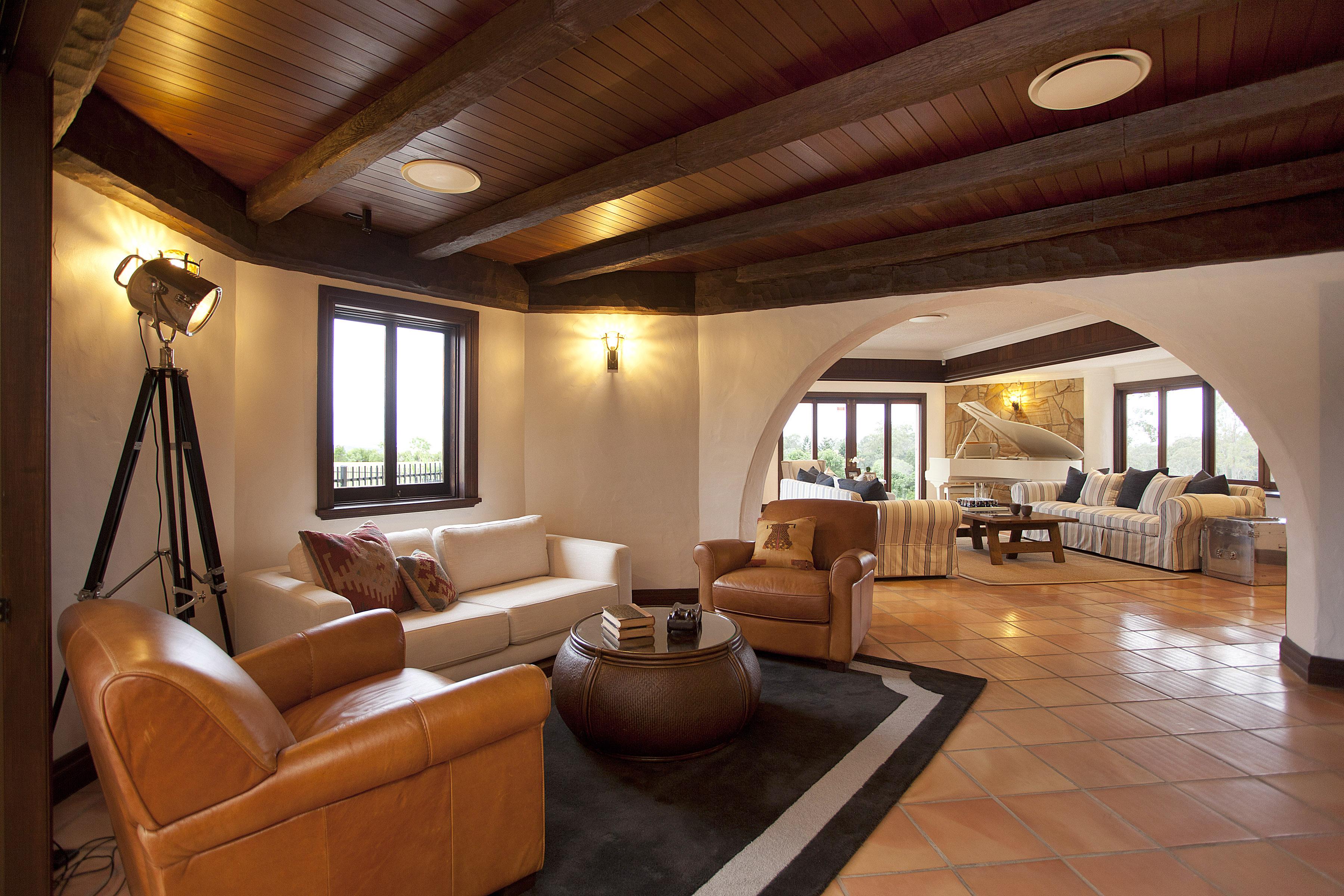 Superb Reason 15 The Ultra Cool Tavern Style Bar Man Cave Download Free Architecture Designs Momecebritishbridgeorg